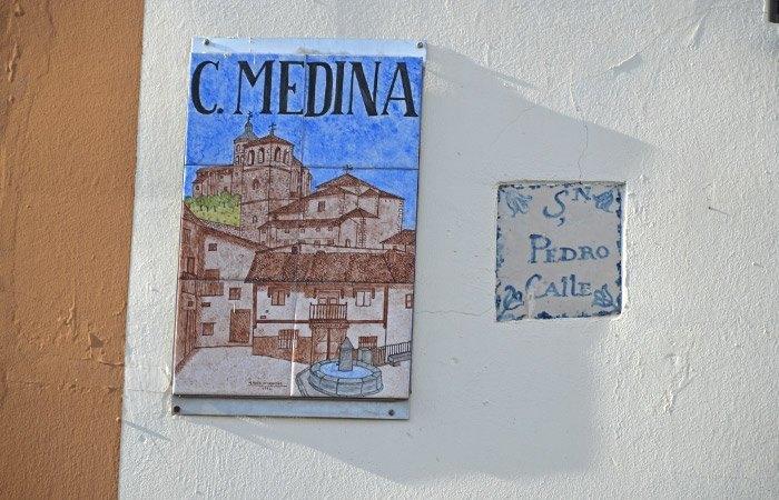 Cartel Cartel Calle MedinaC.Medina