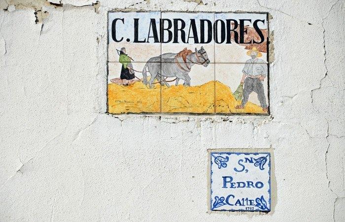 Cartel Calle Labrador